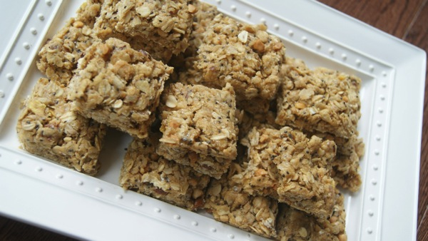 Easy  No Bake Peanut Butter Protein Granola Bars