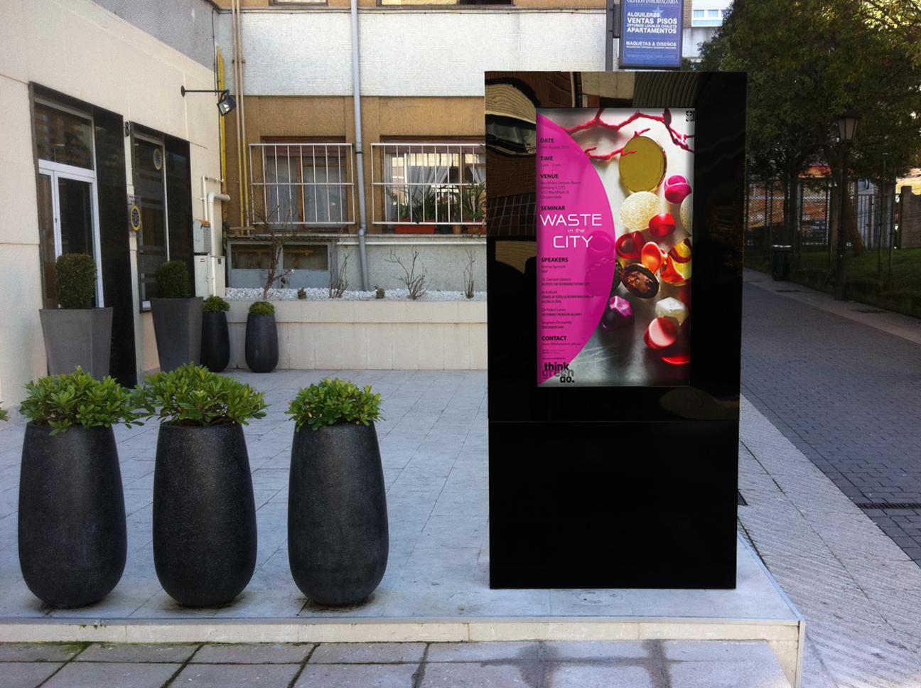 digital-signage-free-standing-outdoor-display