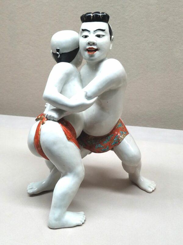 Борцы сумо с украшенными позолотой поясами 1680-е годы. (Музей Восточной керамики в Осаке)