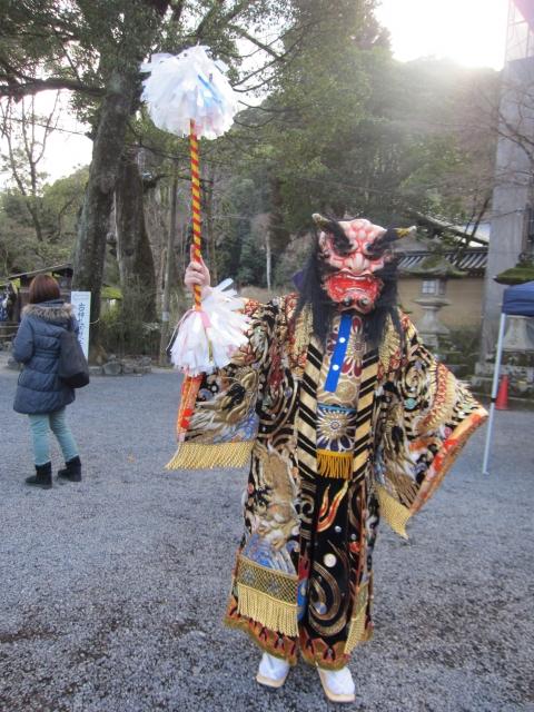 Черт-они (鬼) в храме