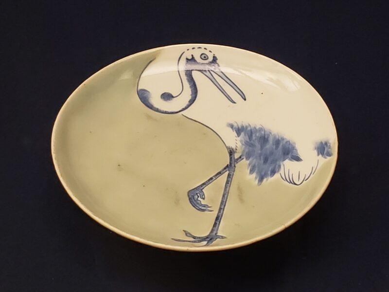 Тарелка сомэцукэ-сэйдзи с изображением журавля (конец 17 в)