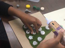 SALT Students making cards for veterans.