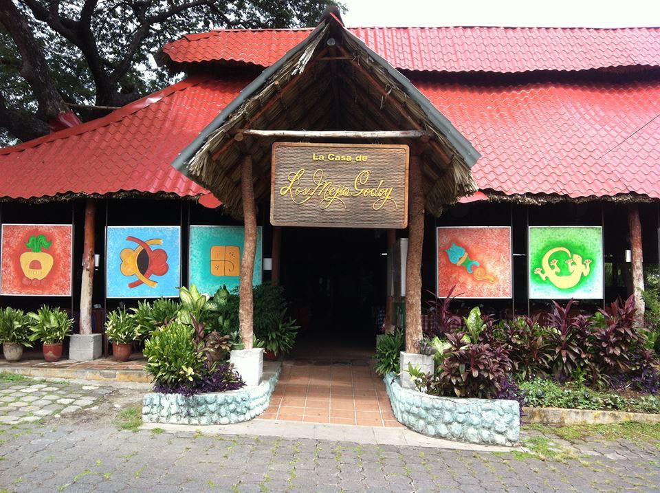 La casa de los Mejía Godoy en Managua