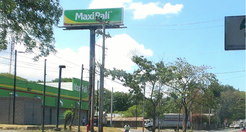 Walmart Nicaragua congela precios de 700 productos básicos en sus supermercados