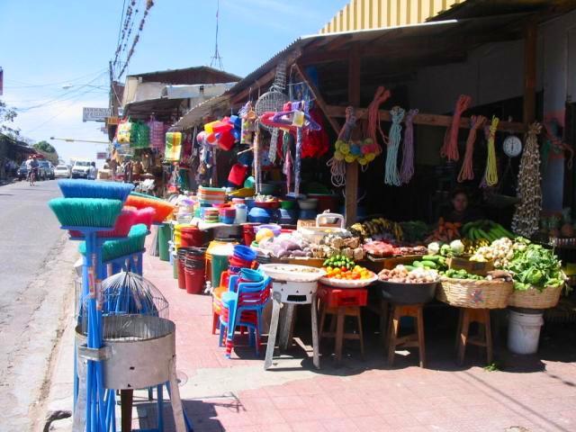 10 razones para comprar en el Mercado Oriental