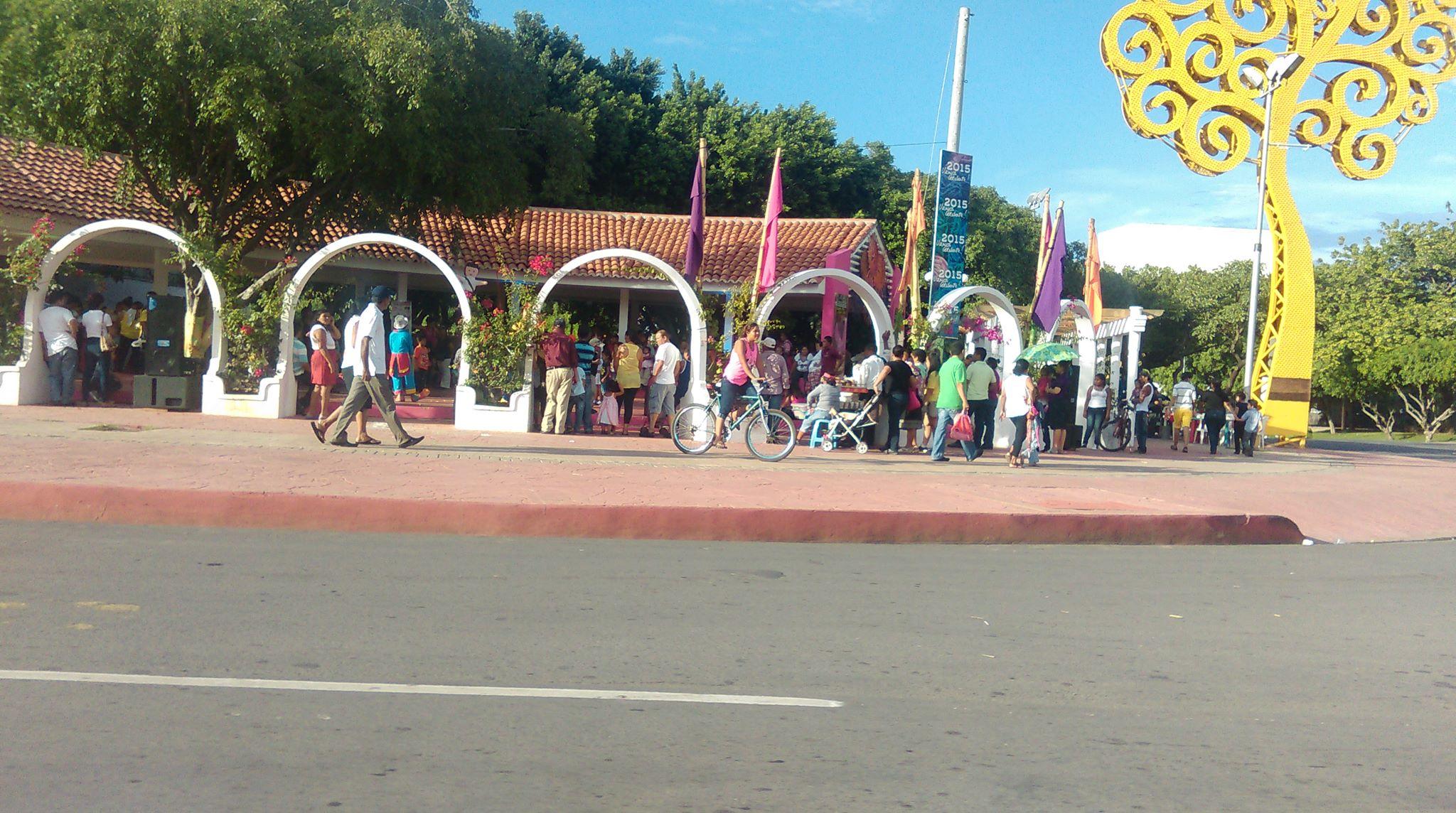 ¿Qué encuentra en los Tiangues de la Avenida Bolívar?