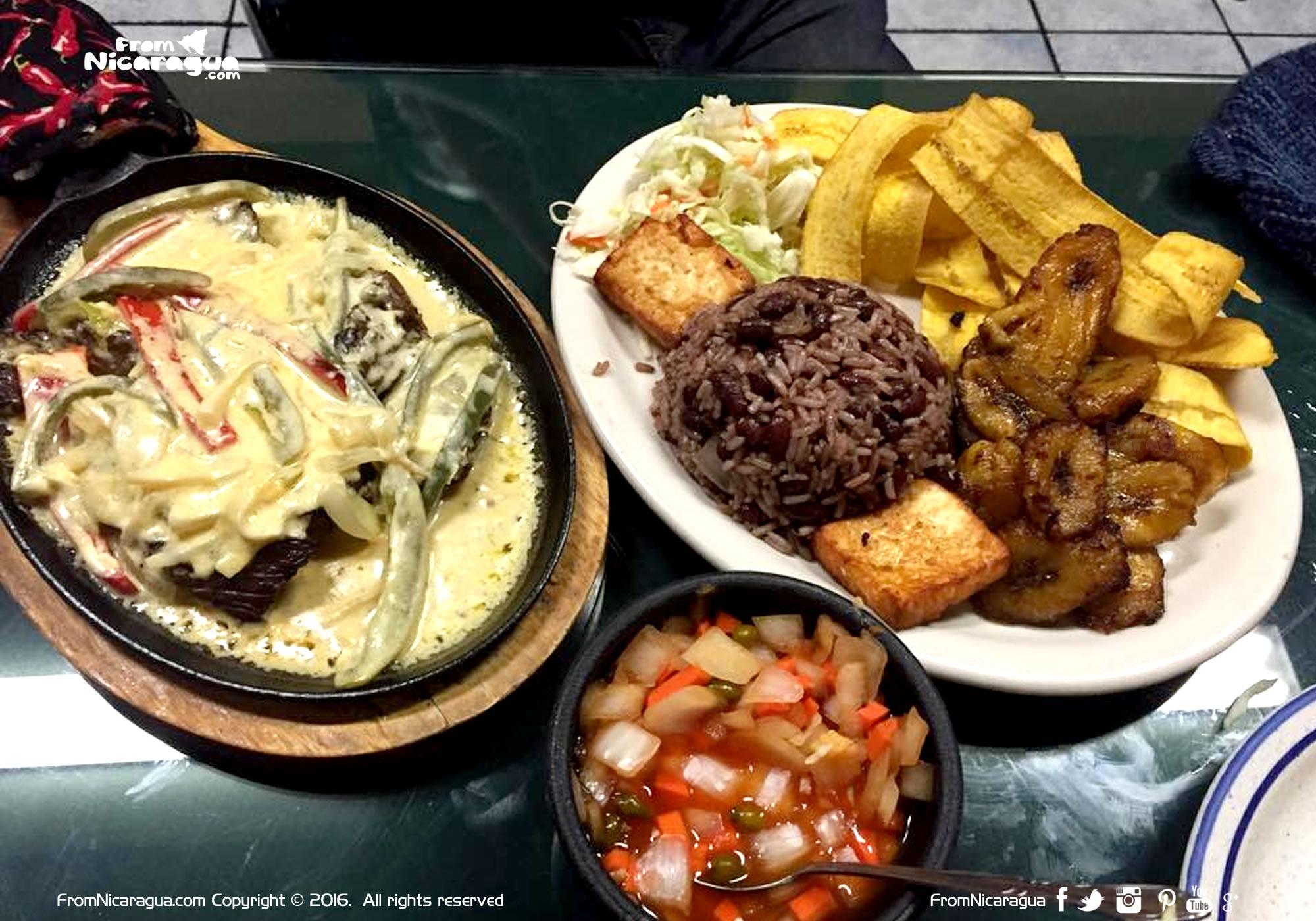 ¡Cuándo los Nicas visitamos los restaurantes Nicaragüenses!