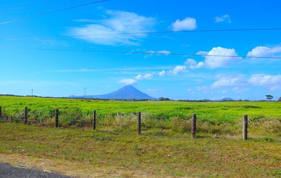 Equipo del USGS estudia al Volcán Momotombo