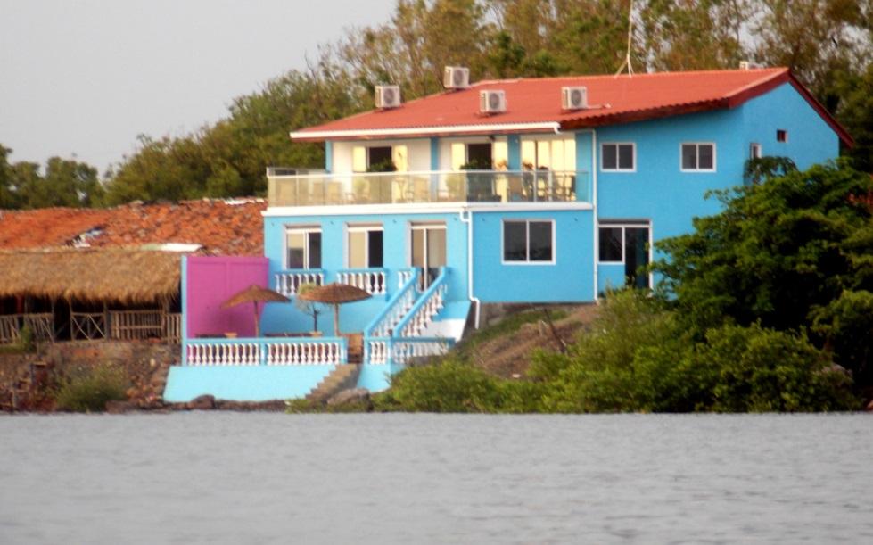 Hotel y restaurante El Nica Libre en Poneloya Nicaragua
