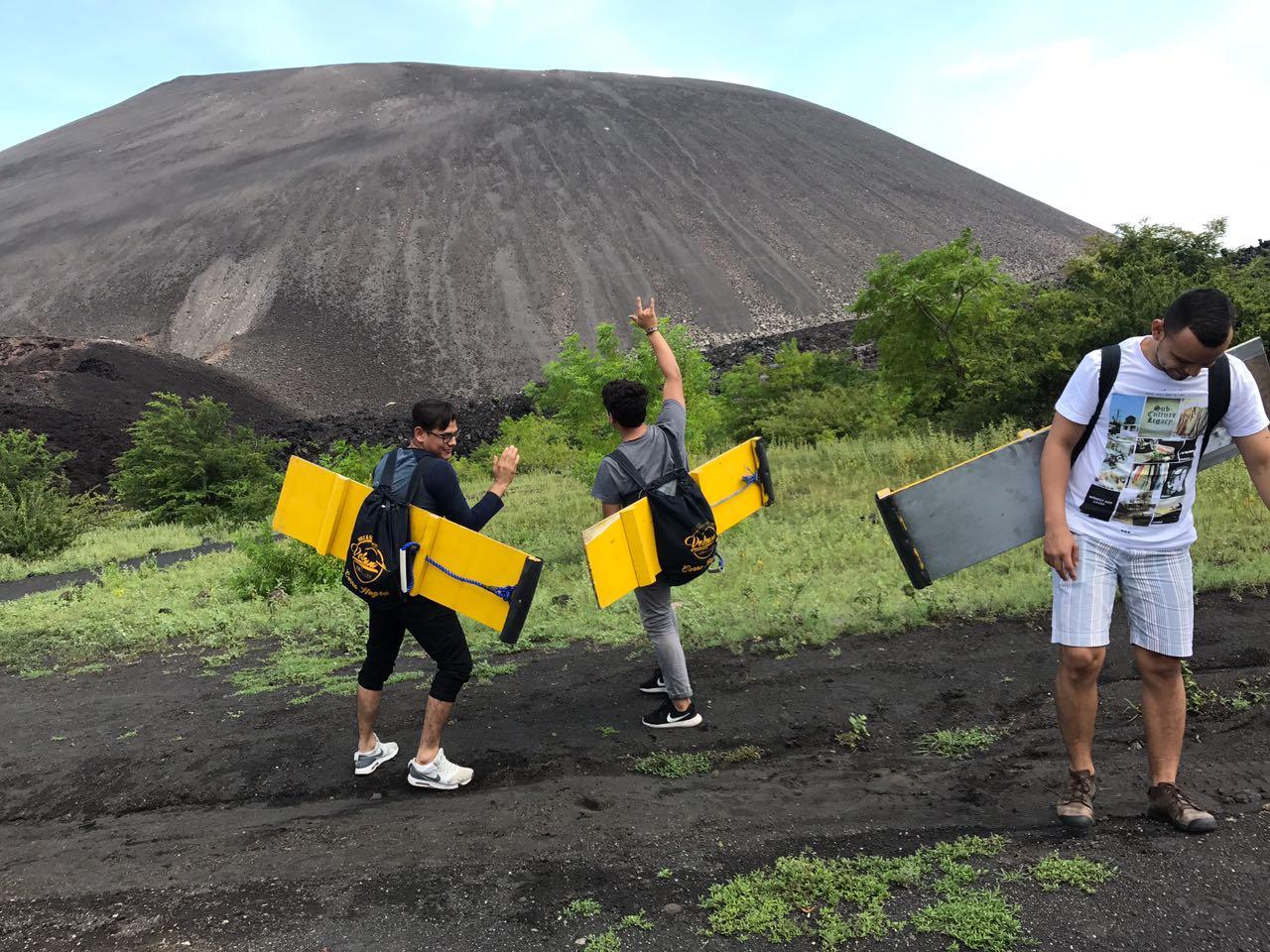 SandBoarding Cerro Negro León Nicaragua