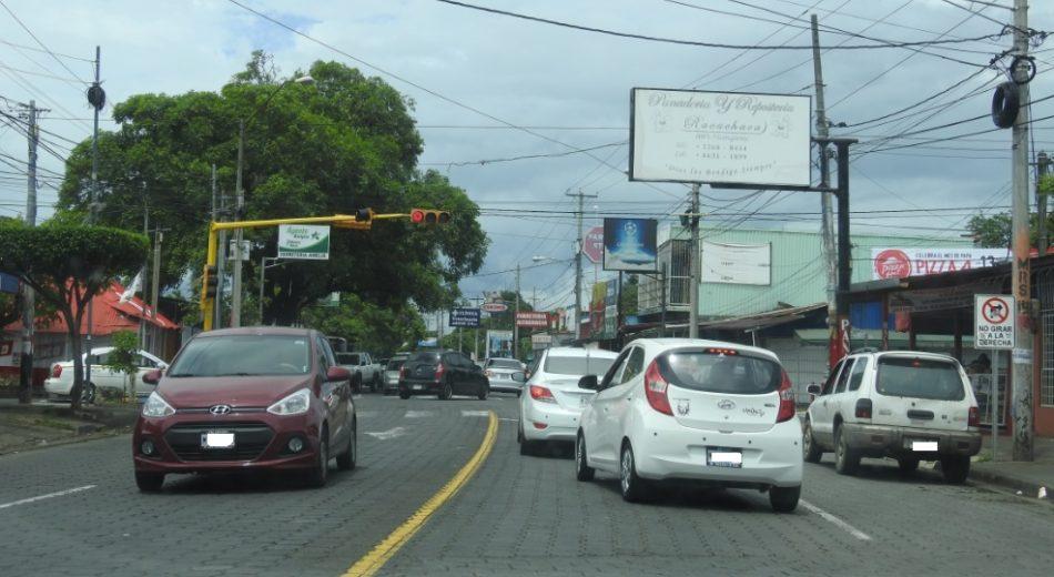 ¿Porqué en Managua decimos arriba o abajo para dar direcciones?
