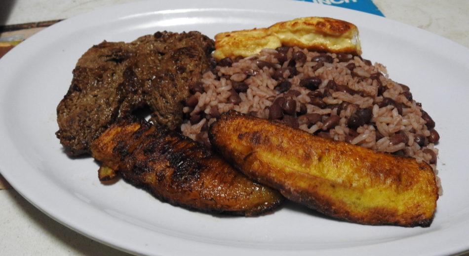 El costo real de cenar en Nicaragua