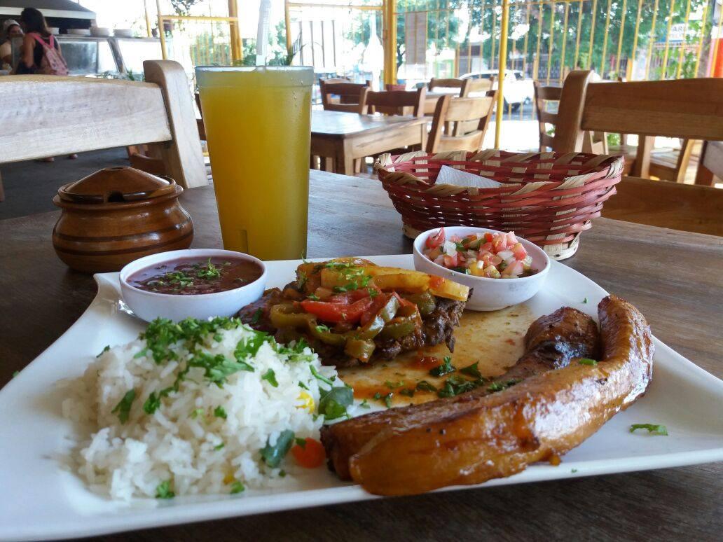 DE Mi Tierra Restaurante nueva sucursal Carretera Norte