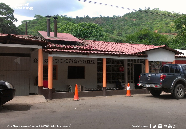 Rosquilleria Matapalo en km 203 carretera Panamericana Norte