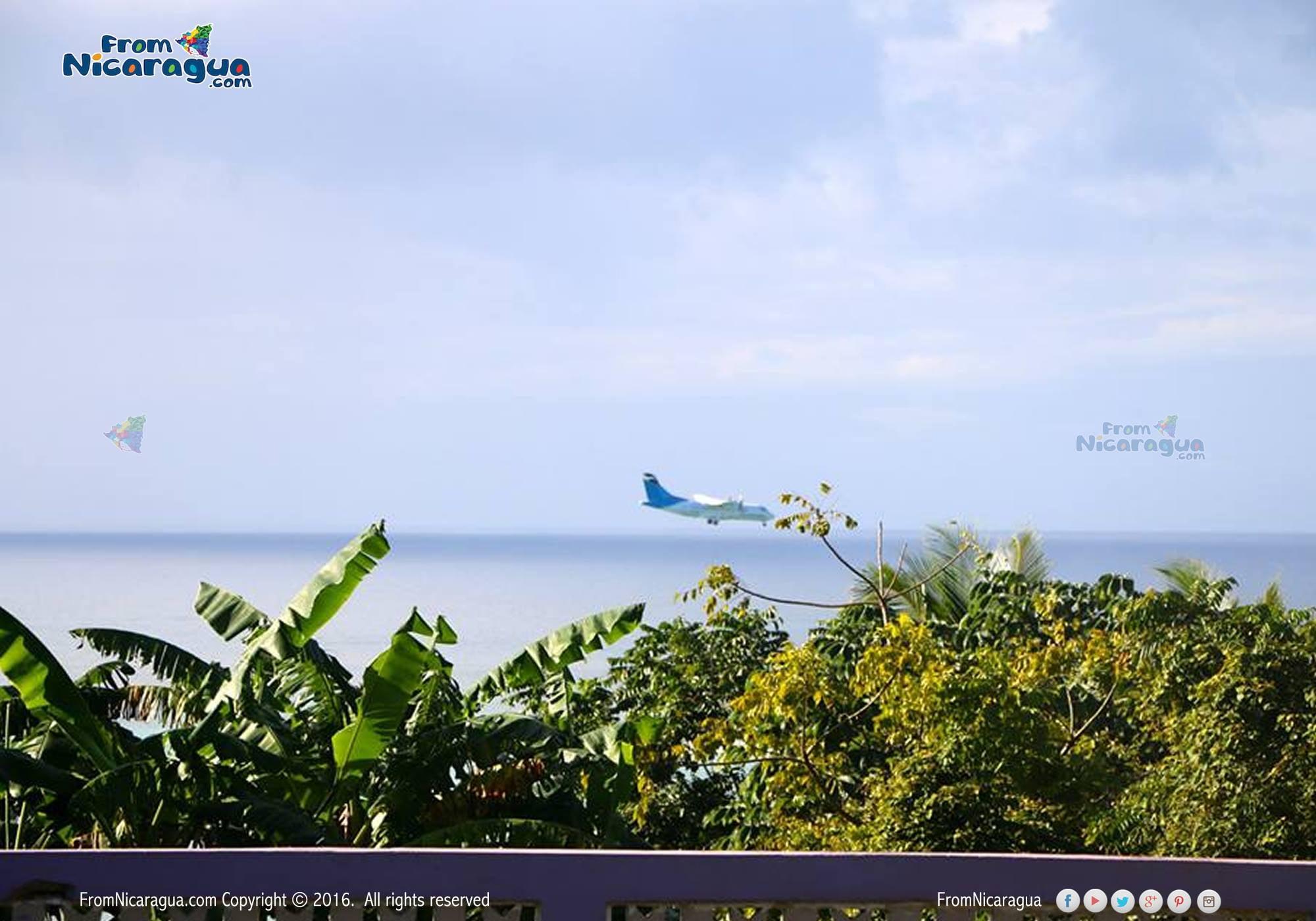 Visitar Corn Island por vía aérea desde Managua