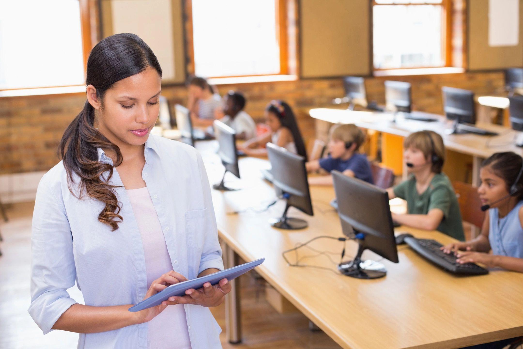 Mined autoriza clases en linea a colegios privados en Nicaragua