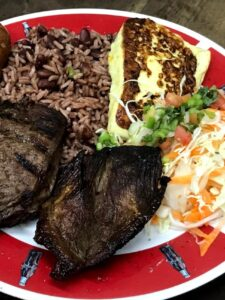 ¿Dónde comer puyazo y asados en Managua?