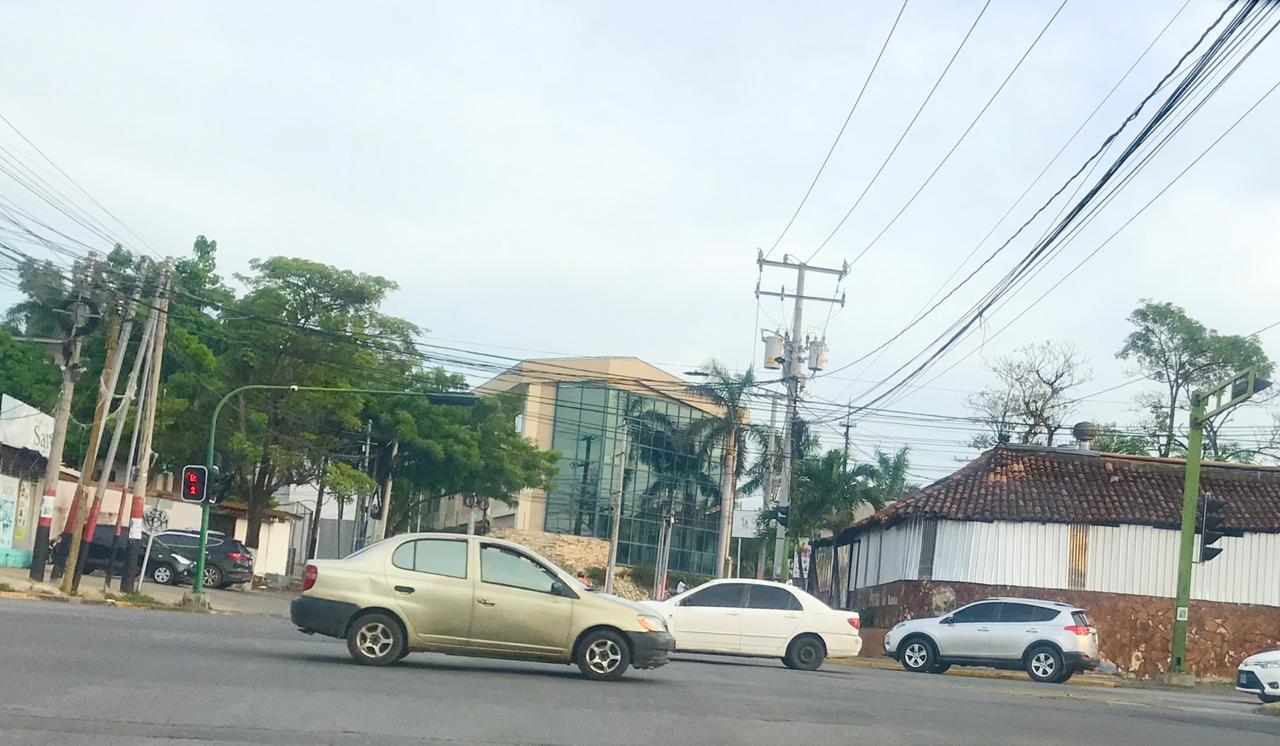Bares y restaurantes empiezan a cerrar en Managua