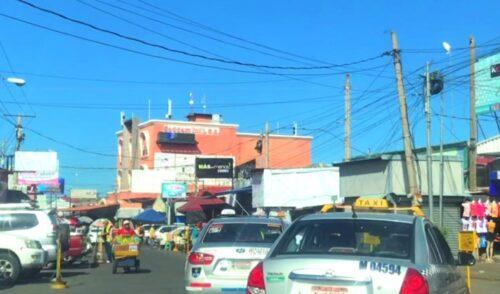Recorriendo el Mercado Oriental en Managua Nicaragua