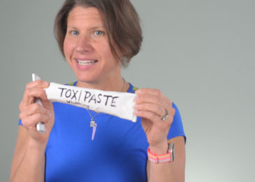 Toxipaste or Toothpowder   DailyMe Episode 046