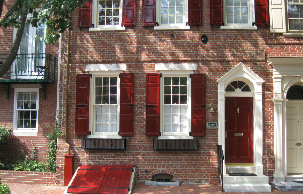 Fine Paints of Europe Rembrant Red Exterior in Center City3