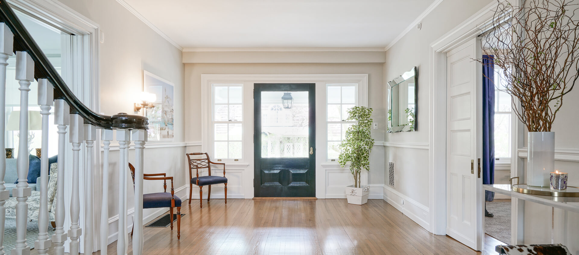 Looking for painting jobs in Philadelphia? Visit John Neill Painting & Decorating.