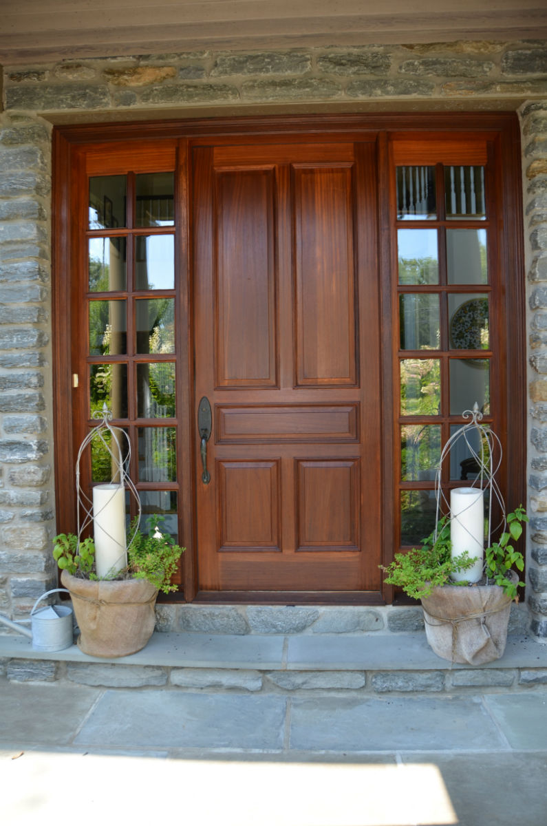 Staned door entry way