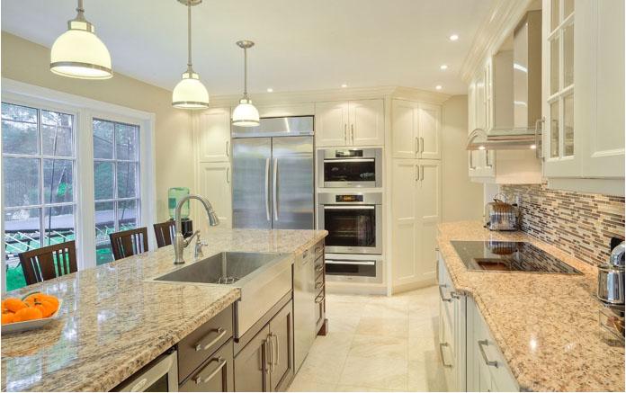 Transitional-kitchen-naples