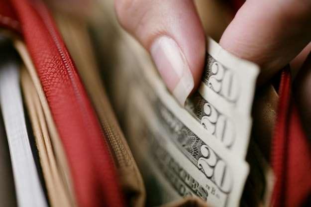 Bills_in_wallet