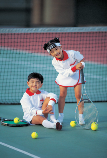 Children at the tennis court