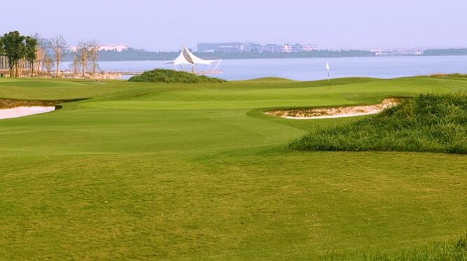 Jinji Lake Golf Club, China