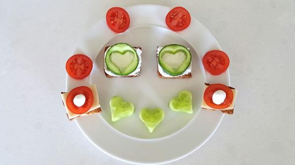 איך לגרום לילד לאכול ירקות