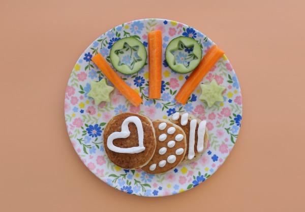 איך להכין פנקייקס מלוחים לילדים_רעיון לארוחת ערב לילדים_אירוח בסטייל (צילום: טליה הדר)