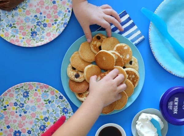 פנקייק שוקולד צ'יפס אווריריים שילדים אוהבים_צילום ומתכון טליה הדר מהבלוג אשת סטייל