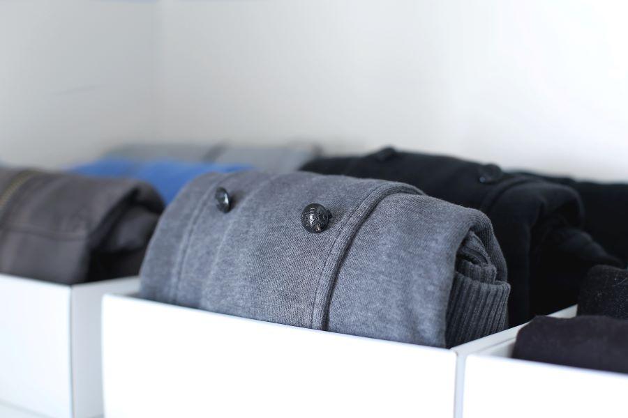 קופסאות לאחסון בגדים בשיטת קון מארי_ההמלצות של טליה הדר אשת סטייל