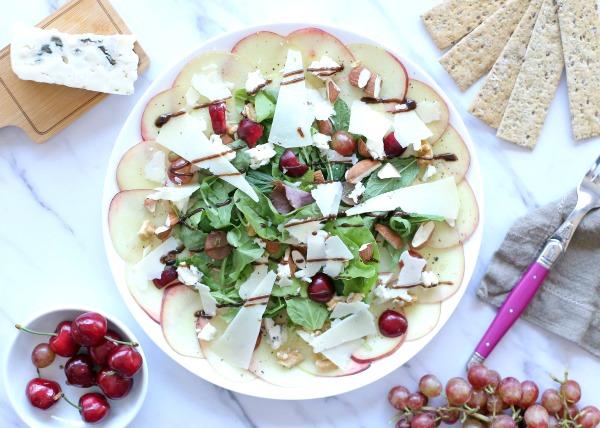 גבינות ופירות_אירוח בשבועות_צילום ומתכון: טליה הדר מהבלוג אשת סטייל