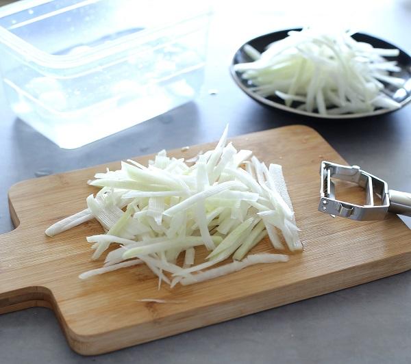 איך שומרים על קולורבי קראנצ'י_טיפים פרקטיים למטבח_צילום: טליה הדר מהבלוג אשת סטייל