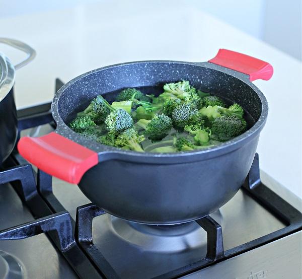 איך מבשלים אספרגוס_טיפים פרקטיים למטבח_טליה הדר מהבלוג אשת סטייל