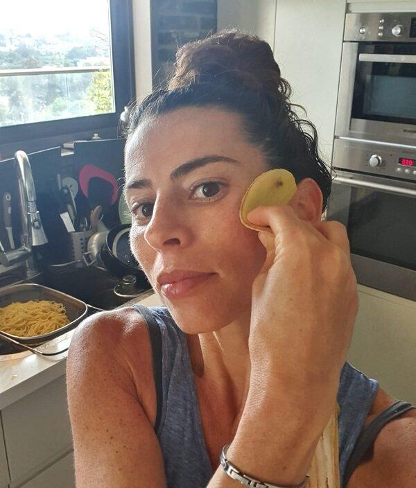 טיפוח טבעי_קליפת בננה על הפנים_הבלוג של טליה הדר