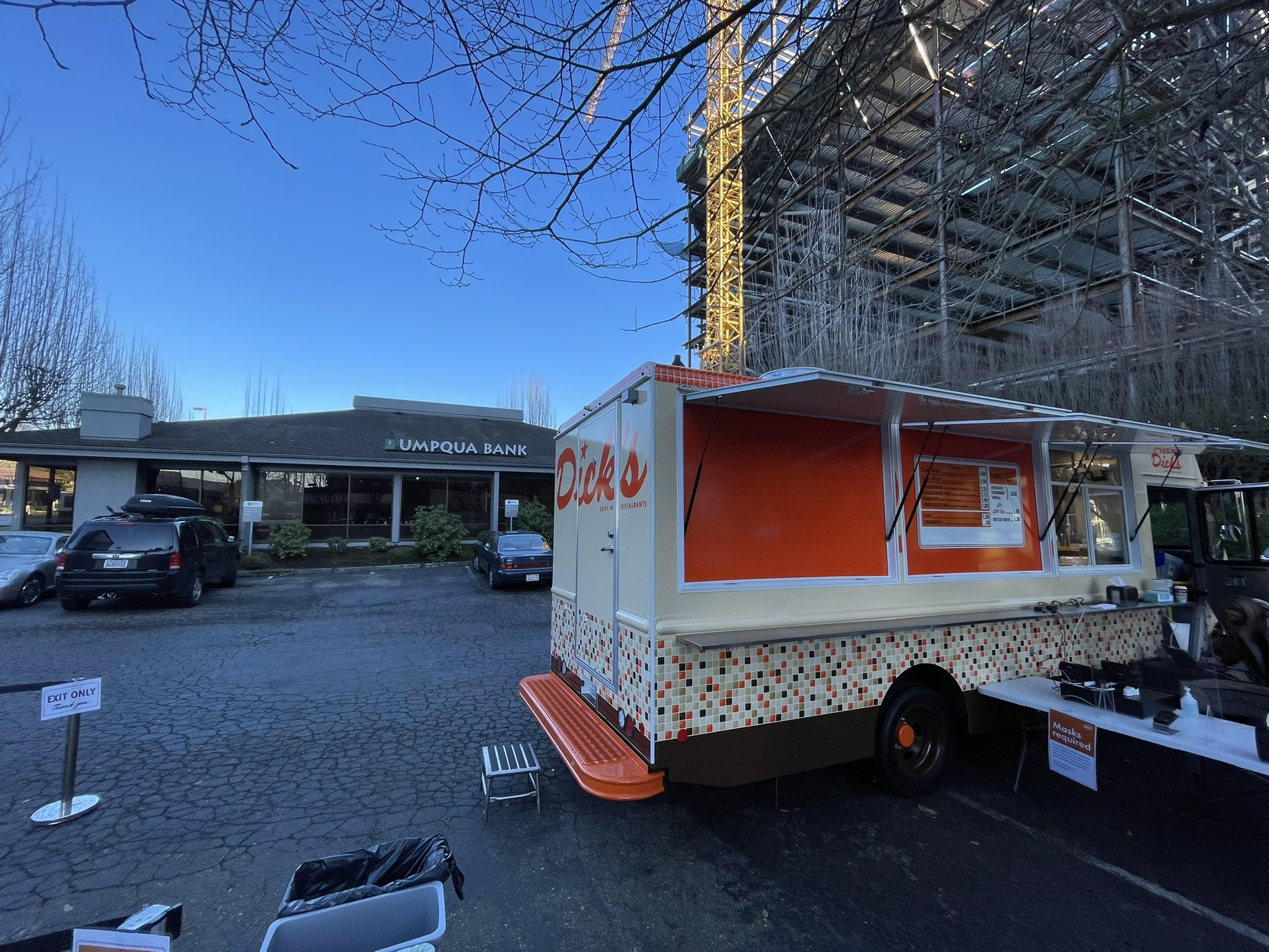 Dick's Drive-In Food Truck in Bellevue
