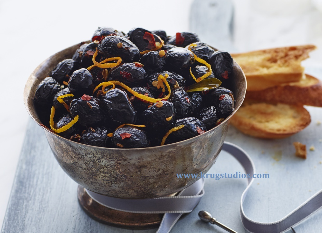 Orange and Fennel Marinated Olives