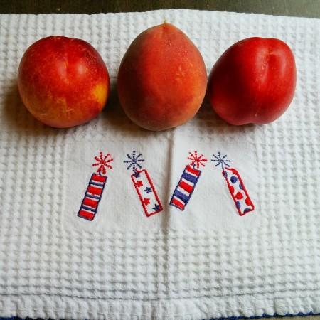 Store stone fruit on cotton cloth