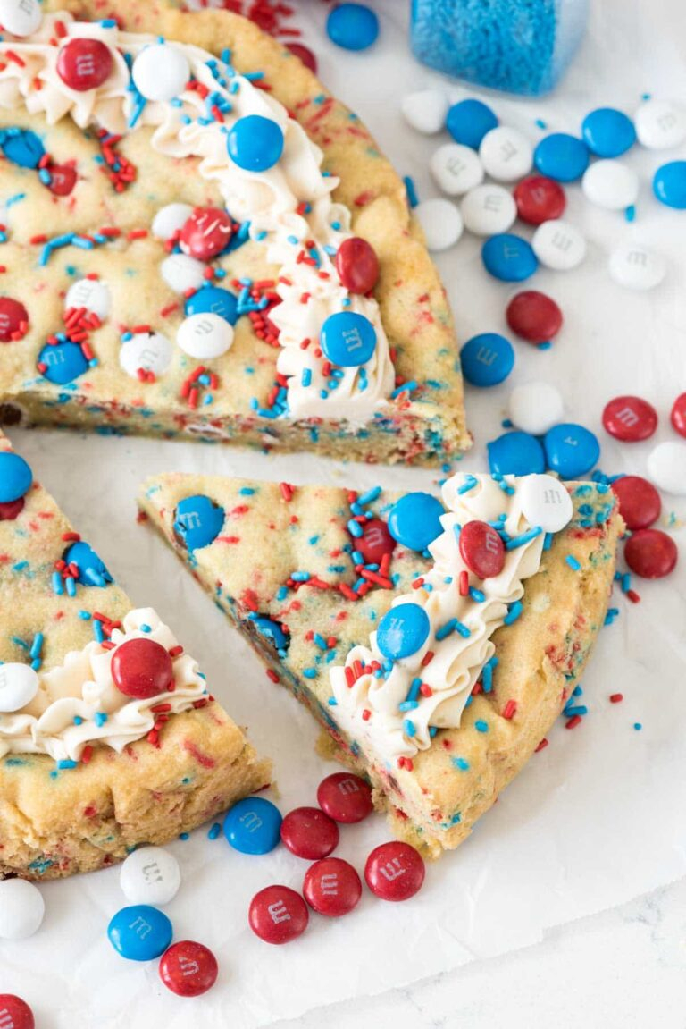 4th of July desserts | 4th of July Desserts by popular Houston lifestyle blog, Haute and Humid: image of red white and blue M&Ms sugar cookie cake.