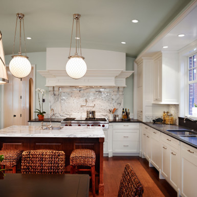 chicago custom kitchen with marble backsplash