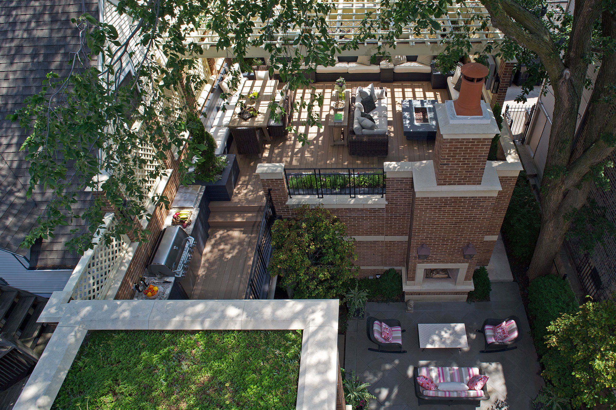 custom outdoor courtyard with outdoor fireplace in chicago