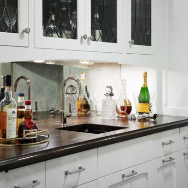 custom home wet bar in old town chicago