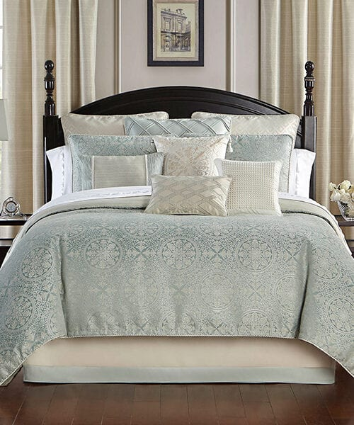 Waterford Luxury Reversible Comforter