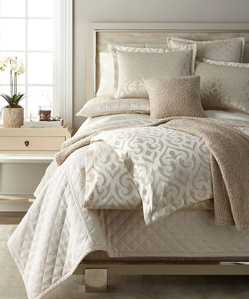 Ann Gish Scroll Bedding