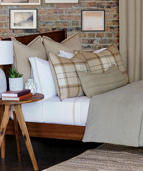Eastern Accents Aldridge Bedding   Contemporary Luxury Bedding