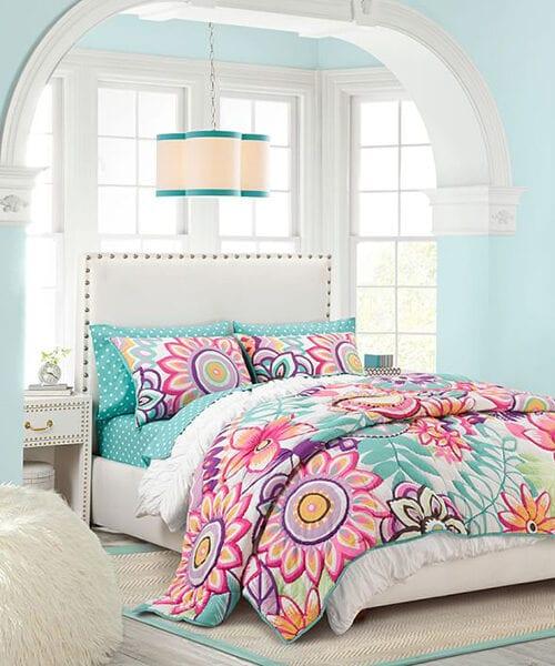 Mod Floral Quilt